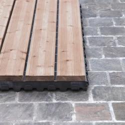Dalle bois clipsable pose sur pavés